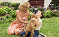 A DOG'S PURPOSE, FROM LEFT: JULIET RYLANCE, BRYCE GHEISAR, 2017. PH: JOE LEDERER/© UNIVERSAL PICTURES