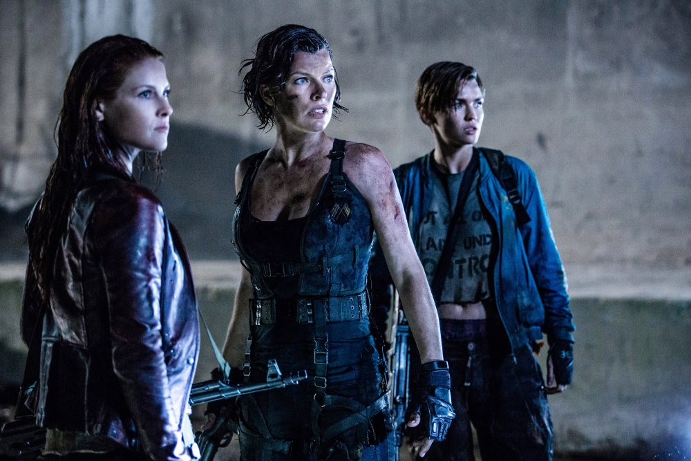 RESIDENT EVIL: THE FINAL CHAPTER, L-R: ALI LARTER, MILLA JOVOVICH, RUBY ROSE, 2016. PH: ILZE KITSHOFF/©SCREEN GEMS