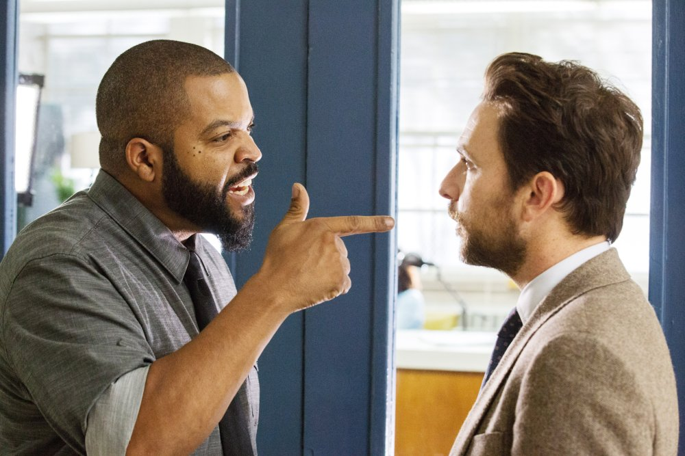 FIST FIGHT, FROM LEFT: ICE CUBE, CHARLIE DAY, 2017. PH: BOB MAHONEY/© WARNER BROS.