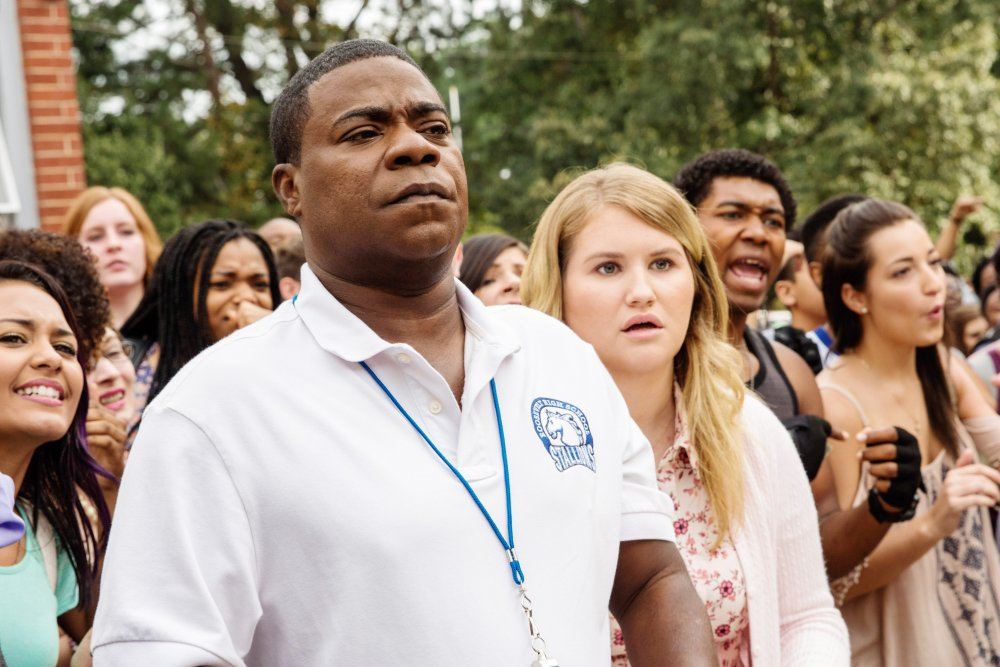 FIST FIGHT, FROM LEFT: TRACY MORGAN, JILLIAN BELL, 2017. PH: BOB MAHONEY/© WARNER BROS.