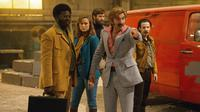 FREE FIRE, L-R: BABOU CEESAY, BRIE LARSON, ARMIE HAMMER, SHARLTO COPLEY, NOAH TAYLOR, 2016. ©A24