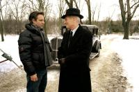 ROAD TO PERDITION, Director Sam Mendes, Paul Newman on the set, 2002, (c) DreamWorks