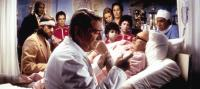 THE ROYAL TENENBAUMS, Danny Glover, Luke Wilson, Ben Stiller, Seymour Cassell, Gwyneth Paltrow, Grant Rosenmeyer, Anjelica Huston, Jonah Meyerson, Gene Hackman, Kumar Pallana, 2001. (c) Buena Vista Pictures