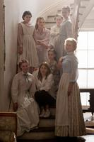 THE BEGUILED, DIRECTOR SOFIA COPPOLA (CENTER), SURROUNDED BY: CLOCKWISE FROM BOTTOM LEFT, KIRSTEN DUNST, ADDISON RIECKE, ELLE FANNING, EMMA HOWARD, ANGOURIE RICE, OONA LAURENCE, NICOLE KIDMAN, ON SET, 2017. PH: BEN ROTHSTEIN/© FOCUS FEATURES