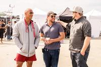 BAYWATCH, L-R: DWAYNE 'THE ROCK' JOHNSON, PRODUCER BEAU FLYNN, DIRECTOR SETH GORDON ON SET, 2017. PH: FRANK MASI/©PARAMOUNT PICTURES
