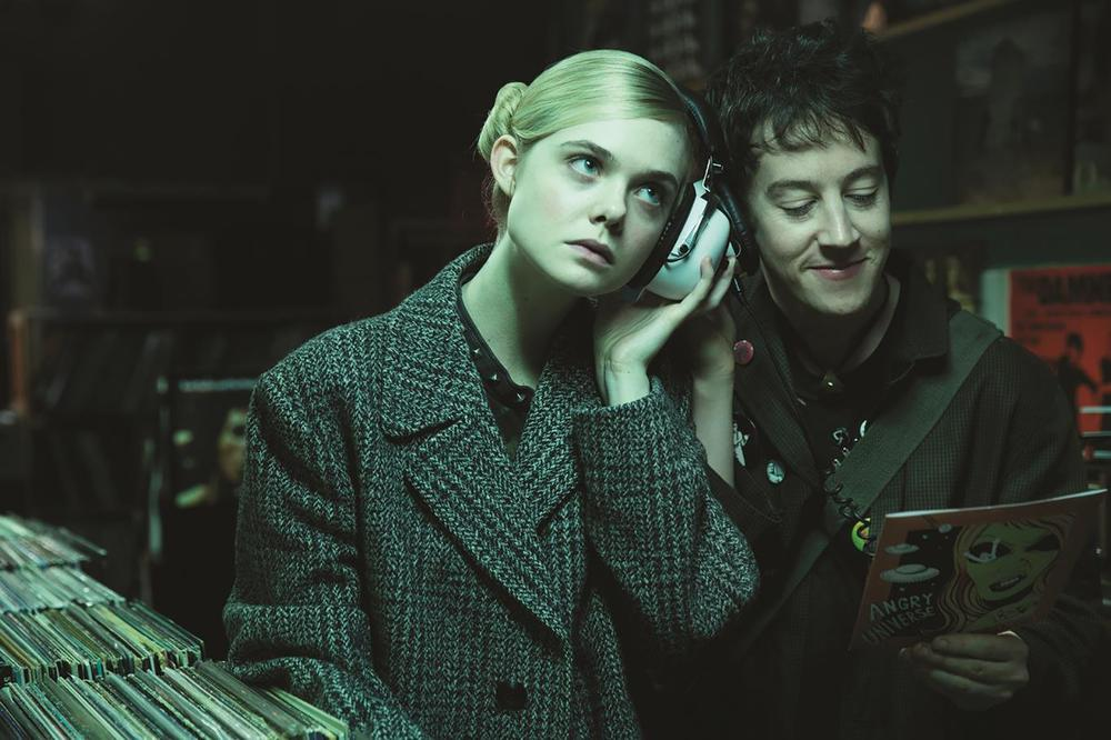 HOW TO TALK TO GIRLS AT PARTIES, L-R: ELLE FANNING, ALEX SHARP, 2017. ©A24