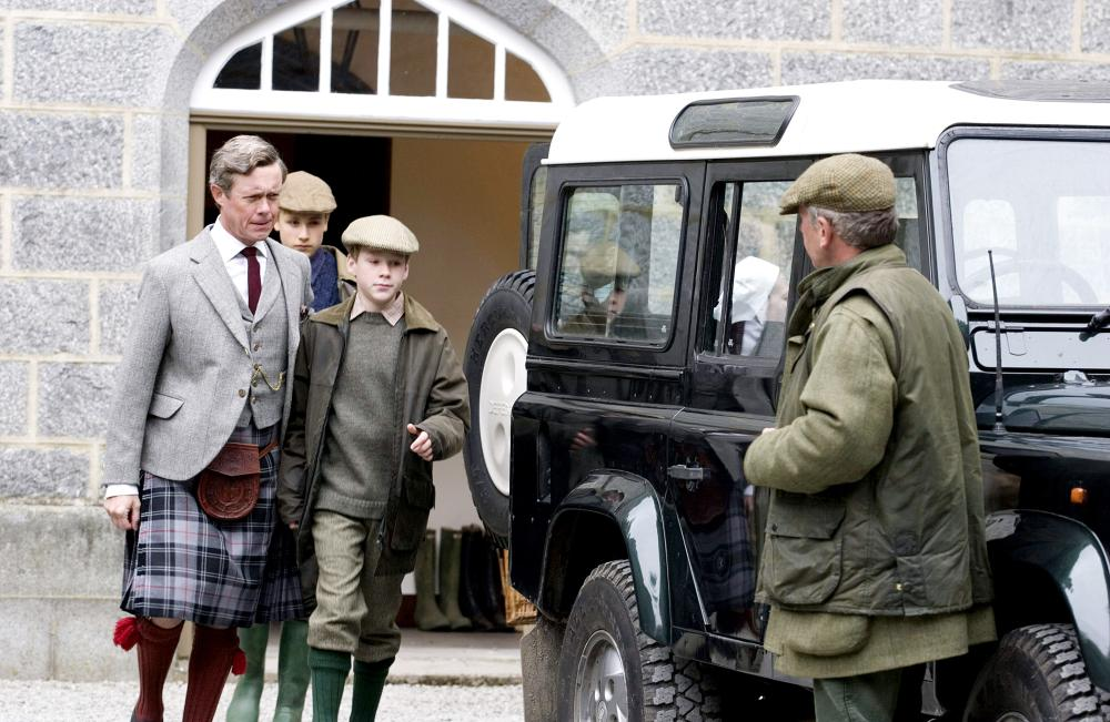 THE QUEEN, Alex Jennings as Prince Charles (far left), Dash Barber as Prince Harry, Jake Taylor Shantos as Prince William, 2006. ©Miramax