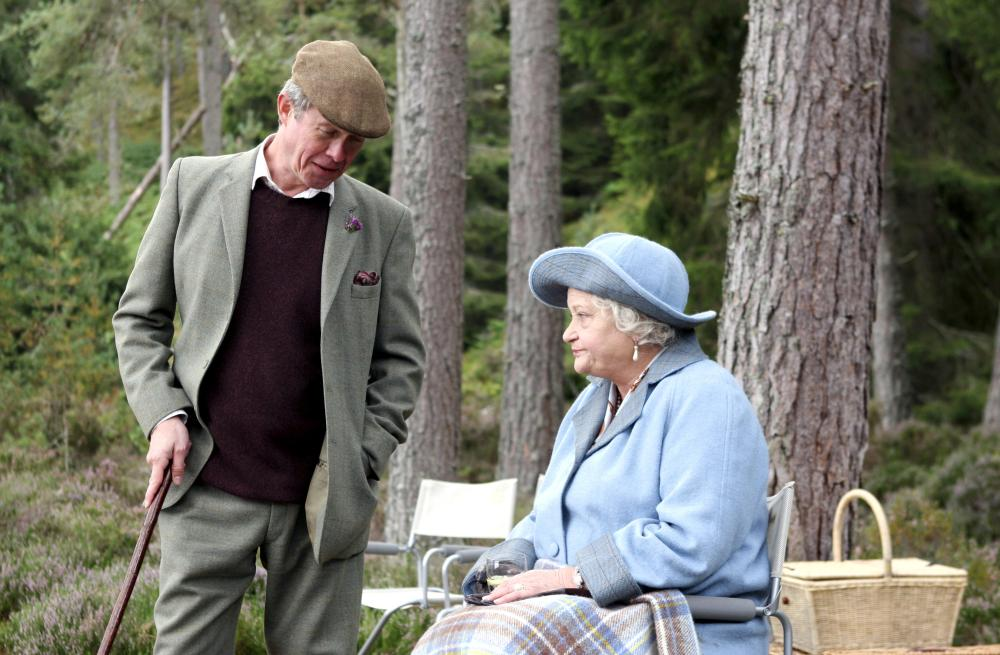 THE QUEEN, Alex Jennings as Prince Charles, Sylvia Syms as The Queen Mother, 2006. ©Miramax