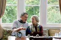 THE QUEEN, director Stephen Frears, Helen Mirren as Queen Elizabeth II, on set, 2006. ©Miramax