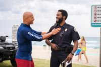 BAYWATCH, FROM LEFT: DWAYNE JOHNSON, YAHYA ABDUL-MATEEN II, 2017. PH: FRANK MASI/© PARAMOUNT PICTURES