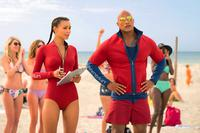 BAYWATCH, FROM LEFT: ILFENESH HADERA, DWAYNE JOHNSON, 2017. PH: FRANK MASI/© PARAMOUNT PICTURES