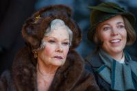 MURDER ON THE ORIENT EXPRESS, FROM LEFT: JUDI DENCH, OLIVIA COLMAN, 2017. PH: NICOLA DOVE/TM & COPYRIGHT © TWENTIETH CENTURY FOX FILM CORPORATION. ALL RIGHTS RESERVED.