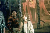 THE PUPPET MASTERS, Julie Warner (front), 1994, © Buena Vista