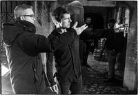THE MUMMY, FROM LEFT: DIRECTOR ALEX KURTZMAN, TOM CRUISE, ON SET, 2017. PH: CHIABELLA JAMES/© UNIVERSAL PICTURES