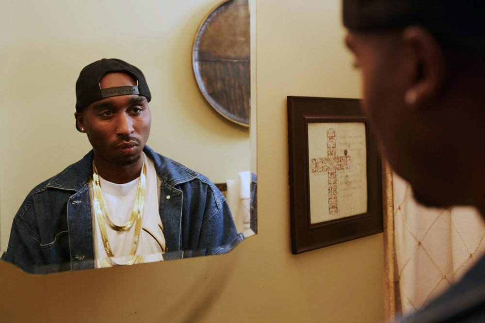 ALL EYEZ ON ME, DEMETRIUS SHIPP JR. AS TUPAC SHAKUR, 2017. PH: QUANTRELL COLBERT/© LIONSGATE
