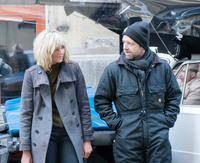ATOMIC BLONDE, FROM LEFT, CHARLIZE THERON, DIRECTOR DAVID LEITCH, ON-SET, 2017. PH: JONATHAN PRIME. ©FOCUS FEATURES
