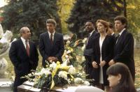 PASSED AWAY, Bob Hoskins, William Petersen, David Early, Pamela Reed, Peter Riegert, 1992, (c) Buena Vista