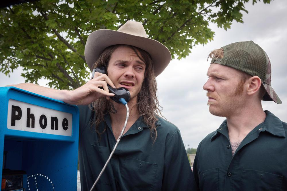 LOGAN LUCKY, FROM LEFT: JACK QUAID, BRIAN GLEESON, 2017. PH: CLAUDETTE BARIUS/THEATRICAL DISTRIBUTOR: FINGERPRINT RELEASING/© AMAZON