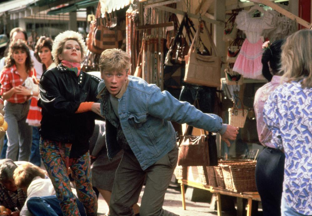 OUT OF BOUNDS, Jenny Wright, Anthony Michael Hall, 1986, (c) Columbia