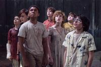 IT, FROM LEFT: JACK DYLAN GRAZER, JAEDEN LIEBERHER, CHOSEN JACOBS, WYATT OLEFF, SOPHIA LILLIS, JEREMY RAY TAYLOR, FINN WOLFHARD, 2017. PH: BROOKE PALMER/© WARNER BROS.