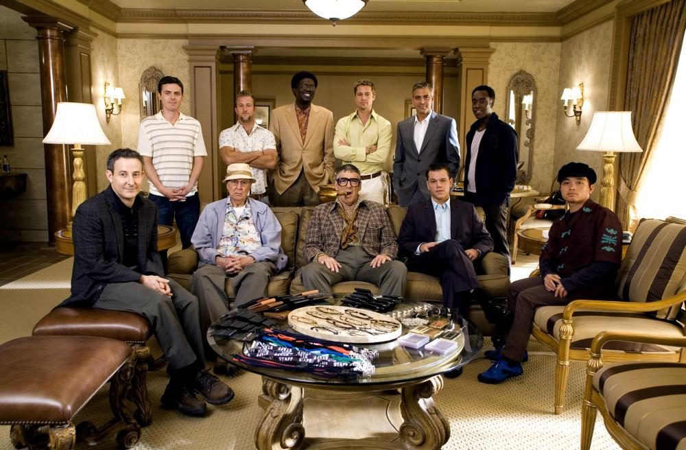 OCEAN'S THIRTEEN, back, l-r: Casey Affleck, Scott Caan, Bernie Mac, Brad Pitt, George Clooney, Don Cheadle, front row, l-r: Eddie Jemison, Carl Reiner, Elliott Gould, Matt Damon,  Shaobo Qin, 2007. ©Warner Bros.