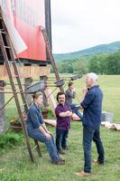 THREE BILLBOARDS OUTSIDE EBBING, MISSOURI, FROMT, FROM LEFT: FRANCES MCDORMAND, PETER DINKLAGE, DIRECTOR MARTIN MCDONAGH, ON SET, 2017. PH: MERRICK MORTON/TM & COPYRIGHT © FOX SEARCHLIGHT PICTURES. ALL RIGHTS RESERVED.