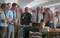 THE POST, FROM LEFT, DAVID CROSS, TRACY LETTS, TOM HANKS, MERYL STREEP, BRADLEY WHITFORD, PHILIP CASNOFF, BRENT LANGDON, CARRIE COON, 2017. PH: NIKO TAVERNISE. TM AND COPYRIGHT ©20TH CENTURY FOX FILM CORP. ALL RIGHTS RESERVED