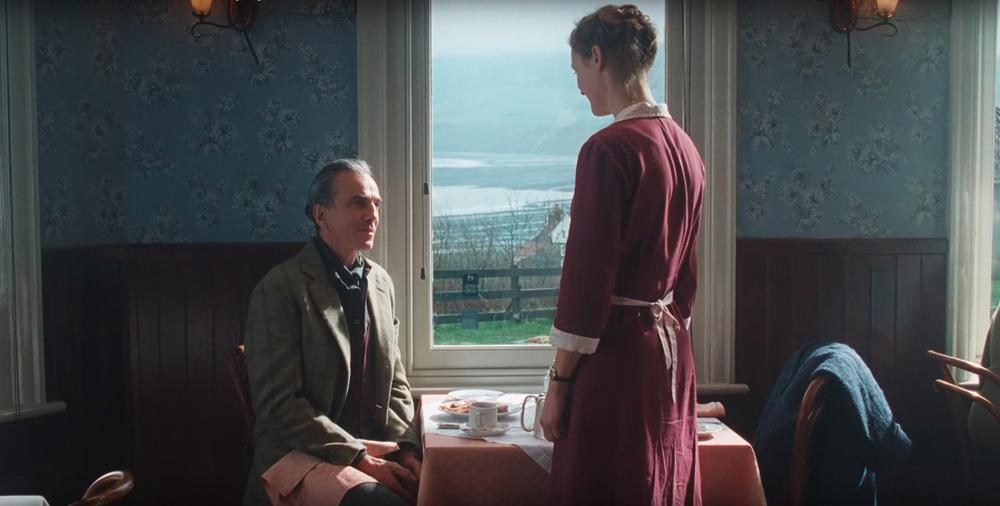 PHANTOM THREAD, FROM LEFT: DANIEL DAY-LEWIS, CAMILLA RUTHERFORD, 2017. © FOCUS FEATURES