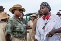 MUDBOUND, FROM LEFT: MARY J. BLIGE, DIRECTOR DEE REES ON SET, 2017. PH: STEVE DIETL. ©NETFLIX