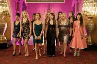 PITCH PERFECT 3, L-R: CHRISSIE FIT, ANNA CAMP, ESTER DEAN, BRITTANY SNOW, KELLEY JAKLE, ANNA KENDRICK, SHELLEY REGNER, REBEL WILSON, HAILEE STEINFELD, HANA MAE LEE 2017. PH: QUANTRELL D. COLBERT/©UNIVERSAL PICTURES