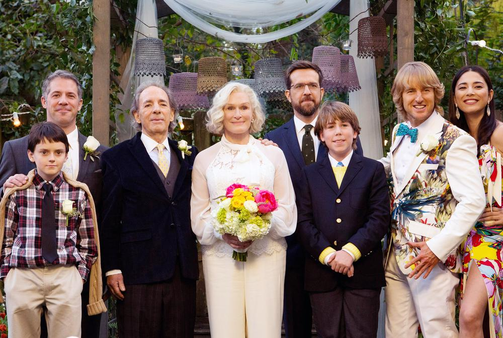 FATHER FIGURES, (AKA BASTARDS), HARRY SHEARER (LEFT OF CENTER), GLENN CLOSE (CENTER), ED HELMS (BEARD), ZACHARY HAVEN (HANDS CLASPED), OWEN WILSON (BOW TIE), JESSICA GOMES (RIGHT), 2017. PH: DANIEL MCFADDEN/© WARNER BROS. PICTURES