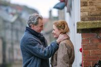 PHANTOM THREAD, FROM LEFT: DANIEL DAY-LEWIS, VICKY KRIEPS, 2017. PH: LAURIE SPARHAM/© FOCUS FEATURES
