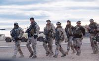 12 STRONG, FROM LEFT: TREVANTE RHODES, CHRIS HEMSWORTH, GEOFF STULTS, AUSTIN HEBERT, AUSTIN STOWELL, MICHAEL PENA, KENNY SHEARD, 2018. © WARNER BROS. PICTURES