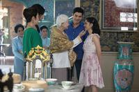 CRAZY RICH ASIANS, CENTER: LISA LU, SECOND FROM RIGHT: HENRY GOLDING, CONSTANCE WU, 2018. © WARNER BROS. PICTURES