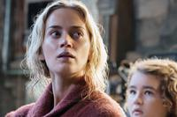 A QUIET PLACE, FROM LEFT: EMILY BLUNT, MILLICENT SIMMONDS, 2018. PH: JONNY COURNOYER/© PARAMOUNT