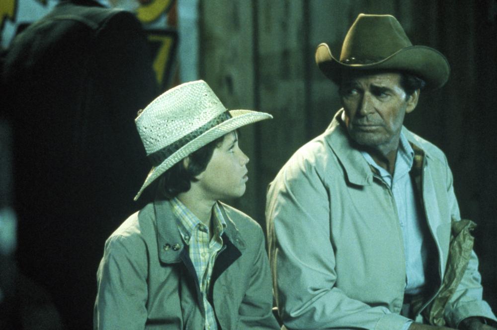 MURPHY'S ROMANCE, from left: Corey Haim, James Garner, (c) 1985 Columbia Pictures