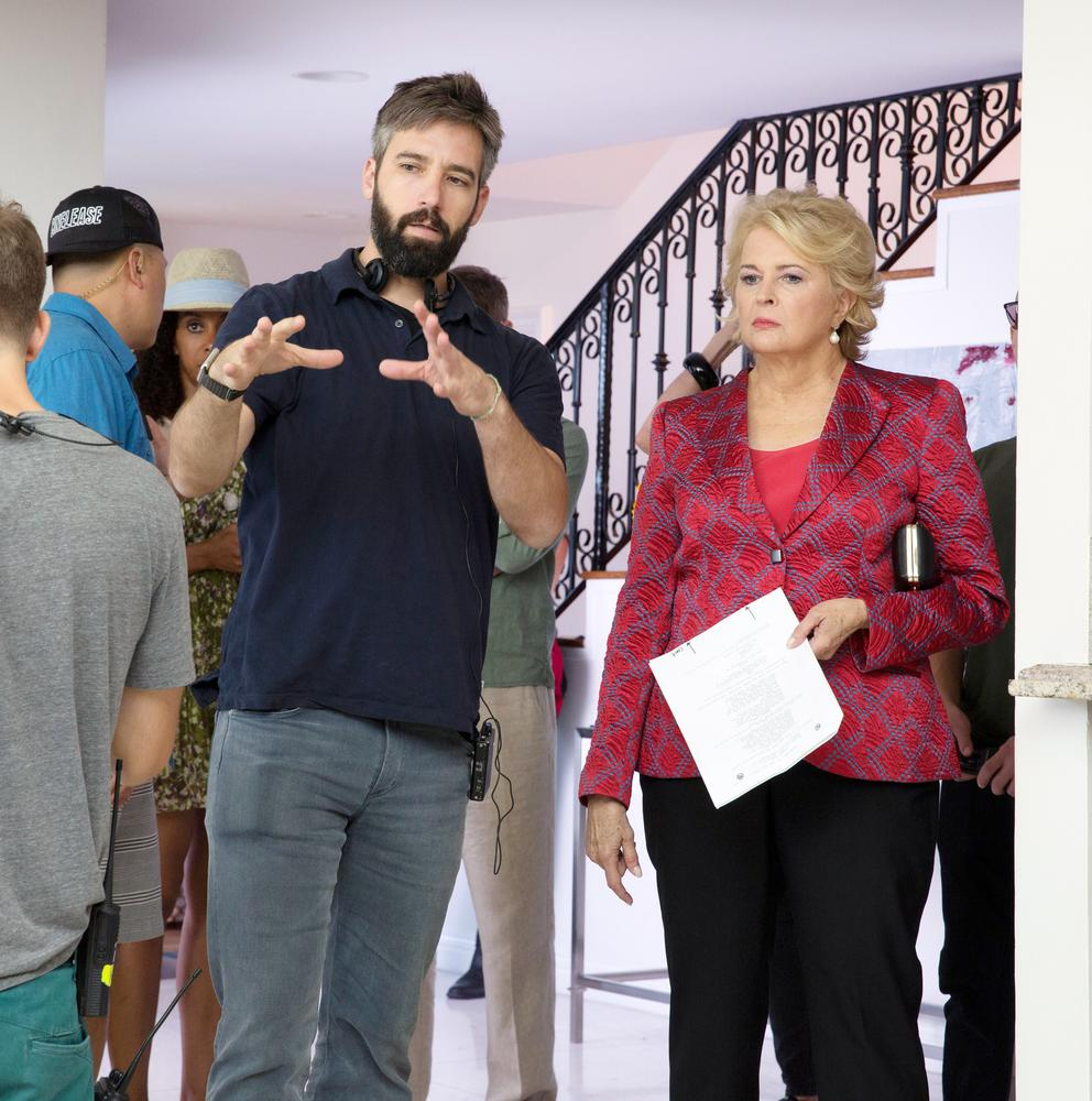 BOOK CLUB, FROM LEFT: DIRECTOR BILL HOLDERMAN, CANDICE BERGEN, ON SET, 2018. PH: PETER IOVINO/© PARAMOUNT PICTURES