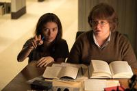 CAN YOU EVER FORGIVE ME?, FROM LEFT: DIRECTOR MARIELLE HELLER, MELISSA MCCARTHY AS LEE ISRAEL, ON SET, 2018. PH: MARY CYBULSKI/TM & COPYRIGHT © FOX SEARCHLIGHT PICTURES. ALL RIGHTS RESERVED.