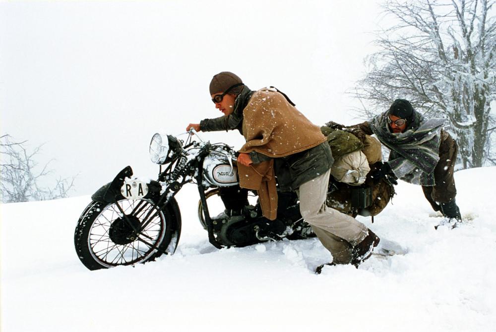 THE MOTORCYCLE DIARIES, (aka DIARIOS DE MOTOCICLETA), Gael Garcia Bernal, Rodrigo de la Serna, 2004, (c) Focus Features