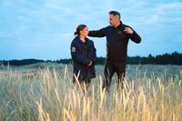 ANNIHILATION, NATALIE PORTMAN, DIRECTOR AND SCREENWRITER ALEX GARLAND, ON-SET, 2018. PH: PETER MOUNTAIN. ©PARAMOUNT