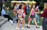 MEAN GIRLS, Lacey Chabert, Amanda Seyfried, Lindsay Lohan, 2004, (c) Paramount