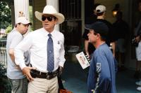 MAN OF THE HOUSE, Tommy Lee Jones, director Stephen Herek on set, 2005, (c) Columbia