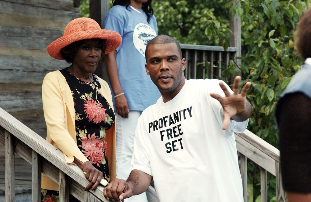 MADEA'S FAMILY REUNION,  Cicely Tyson, Director Tyler Perry, on set, 2006, ©Lions Gate