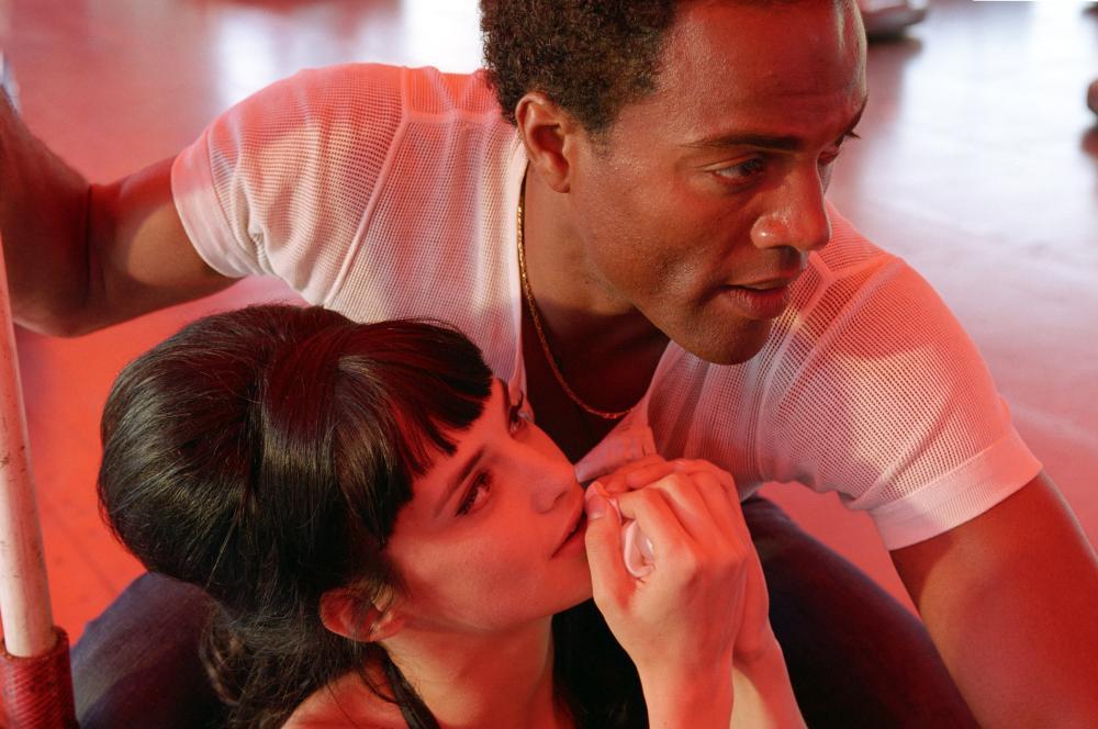 LULU AND JIMI, (aka LULU & JIMI, aka LULU UND JIMI), Jennifer Decker (bottom), Ray Fearon, 2009. ©Beta Film