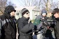 LONESOME JIM, cinematographer Phil Parmet (left), director Steve Buscemi (sunglasses), on set, 2005, ©IFC Films