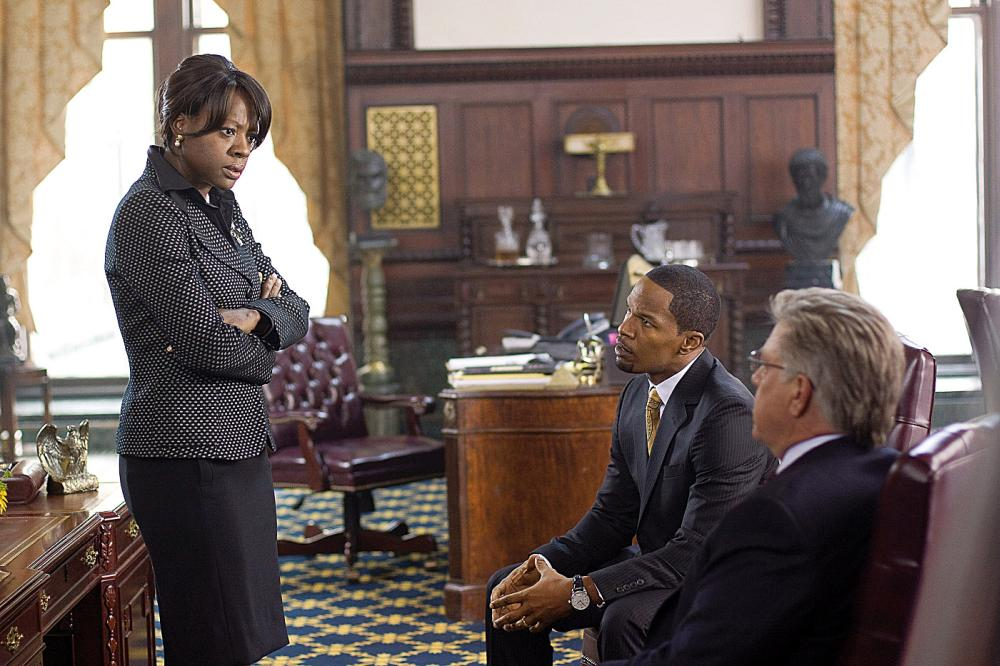 LAW ABIDING CITIZEN, from left: Viola Davis, Bruce McGill, Jamie Foxx, 2009. Ph: John Baer/©Overture Films