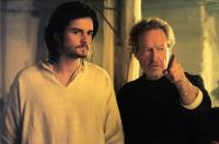 KINGDOM OF HEAVEN, Orlando Bloom, director Ridley Scott on set, 2005, TM & Copyright (c) 20th Century Fox Film Corp. All rights reserved.