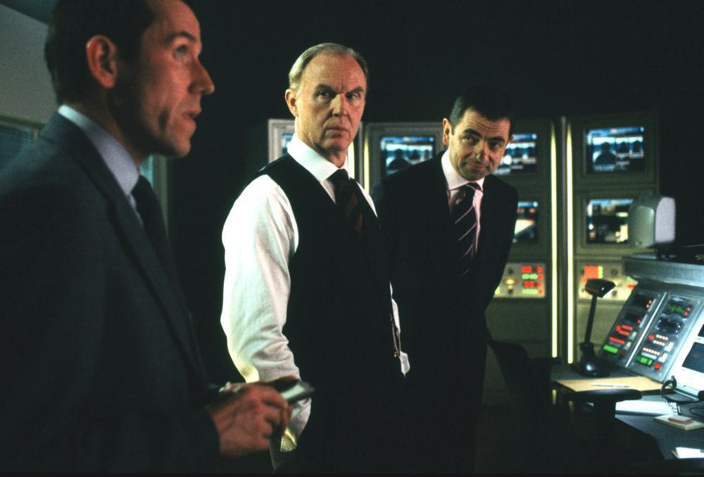 JOHNNY ENGLISH, Ben Miller, Tim Pigott-Smith, Rowan Atkinson, 2003, (c) Universal