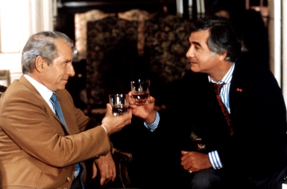 INSPECTEUR LAVARDIN, from left: Jean Poiret, Jean-Claude Brialy, 1986. ©MK2 Diffusion