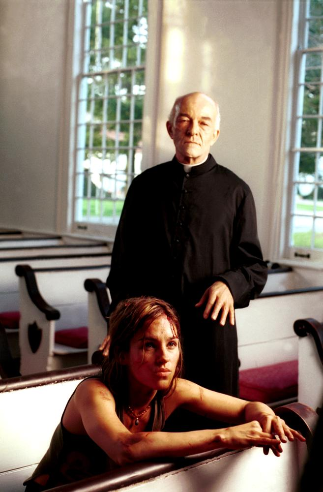 INFESTED, from left: Amy Jo Johnson, Mark Margolis, 2002. ©Columbia TriStar